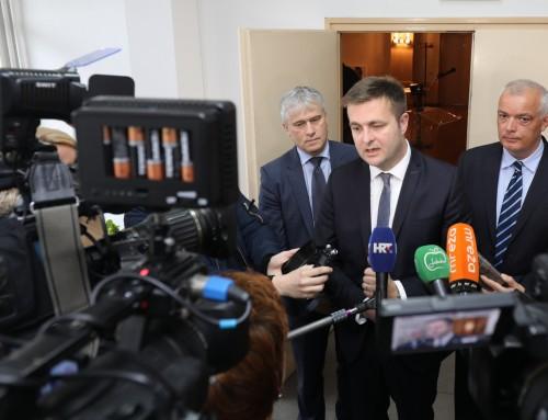 Ministar Ćorić na predstavljanju milijunskih projekata u Ivanić-Gradu komentirao  najave komunalnih tvrtki o odustajanju od projekata