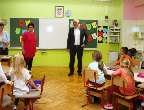 Gradonačelnik obišao učenike prvih i četvrtih razreda OŠ Stjepana Basaričeka