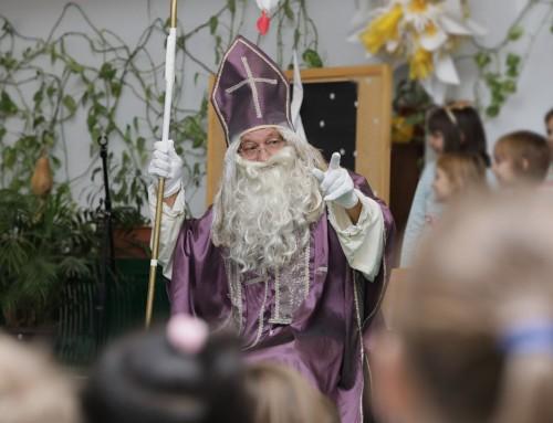 Sveti Nikola darivao učenike ivanićgradskih škola