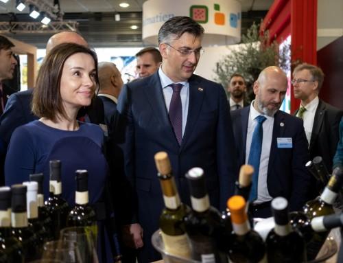Predsjednik Vlade RH Andrej Plenković otvorio je u ime zemlje partner najveći međunarodni poljoprivredni sajam Zeleni tjedan u Berlinu